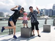 Vợ chồng Trang Nhung tình cảm bên con gái ở Singapore