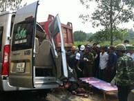 Xe khách va chạm xe ben, 3 người chết, 7 người bị thương