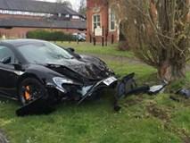 Siêu xe McLaren 650S gặp nạn sau 10 phút được bán