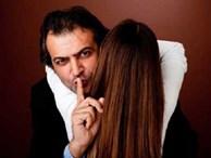 90% đàn ông 'ngoại tình' đều làm những điều này với vợ