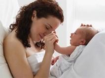 Chồng bận đi nuôi người yêu cũ sinh con, không thể đưa vợ đi đẻ