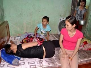 Vụ án chị sát hại em trai: Người mẹ kế xin giảm án cho con