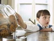 Trẻ có tính tắt mắt, cha mẹ chớ coi thường