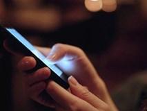 """Ánh sáng xanh từ màn hình smartphone có thể gây """"đại dịch"""""""