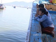 Lật tàu trên sông Hàn: Nghẹn đắng lời thỉnh cầu của mẹ 2 chị em ruột mất tích