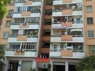 """Chuyện khó tin ở Hà Nội: Toilet cạnh thang máy, tầng thượng thành nơi """"thác loạn"""""""