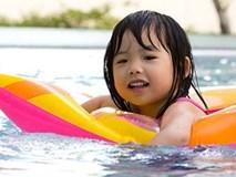 """Muốn con không gặp """"hoạ"""" khi đi bơi, bố mẹ nên biết những điều này"""