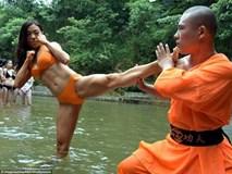 Võ sư Thiếu Lâm tự luyện võ cùng dàn mẫu bikini