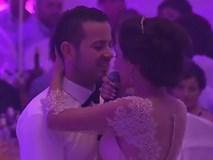 """Cô dâu hát hay như diva trong đám cưới khiến cộng đồng mạng """"chao đảo"""""""
