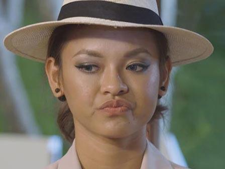 Mai Ngô bĩu môi, liếc mắt khi bị Lan Khuê chê ở The Face