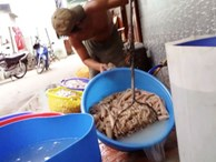 Ớn lạnh bì heo ở Sài Gòn