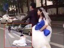 Đánh rơi cô dâu giữa đường, chú rể vẫn hồn nhiên phóng xe đi tiếp