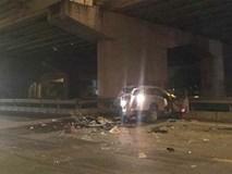 Nam thanh niên lao ô tô từ trên cầu Thanh Trì xuống đất tử vong