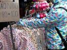 Bệnh tật nguy hiểm ẩn giấu trong chiếc áo chống nắng lâu không giặt