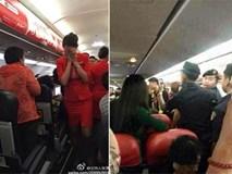 Máy bay buộc phải quay đầu vì hành khách Trung Quốc hất nước nóng vào tiếp viên hàng không