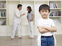 Dạy con quá nghiêm khắc ảnh hưởng nghiêm trọng tới tương lai của trẻ