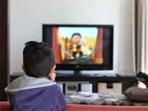 Khiến trẻ dừng xem tivi, chơi iPad chỉ bằng cách nói này