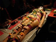 Cận cảnh những bữa tiệc sushi khỏa thân trên khắp thế giới