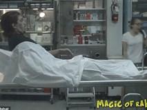 Hoảng loạn khi xác chết bật dậy trong một cuộc phỏng vấn diễn ra ở nhà xác