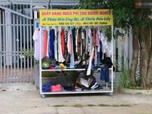 """Quầy áo quần """"Ai thừa đến ủng hộ, ai thiếu đến lấy"""" ấm áp nghĩa tình ở Quảng Nam"""