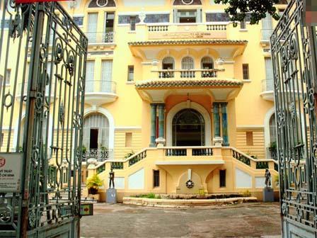 """Tòa biệt thự 99 cửa ở Sài Gòn và những bí ẩn về giai thoại """"con ma nhà họ Hứa"""""""