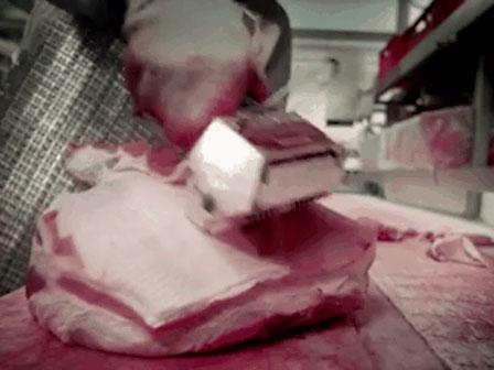 Rùng mình xem quy trình sản xuất phụ gia có trong thạch, bánh kẹo cho trẻ em