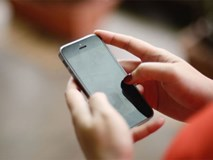 Điện thoại – thủ phạm gây ra những cơn đau