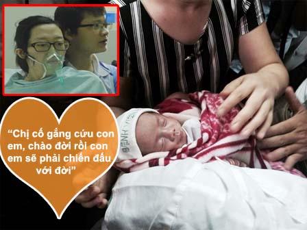 Chặng đường đầu đời đầy khắc nghiệt của bé trai được mẹ ung thư nhường sự sống