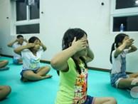 Phụ huynh chi hàng chục triệu đồng cho con đi luyện mắt cải thiện thị lực
