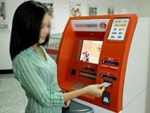 Rút ATM 1,3 triệu được 13 triệu, cô gái nhắn tin sốc khi ngân hàng bắt trả lại