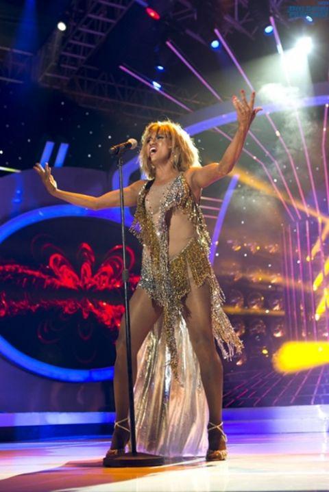 Minh Thuận bốc lửa hóa thành Tina Turner