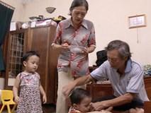 Vợ chồng U70 sinh đôi sau 7 năm kết hôn