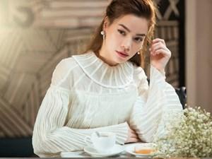 Hồ Ngọc Hà tung ảnh kiêu sa trong album thu 17 tiếng liên tục