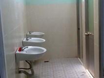 Nhà vệ sinh trường tiểu học 30m2 trị giá 700 triệu đồng