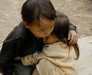 Tan chảy với những bức ảnh cảm động nhất về tình anh em