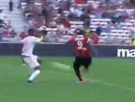 Balotelli lại ghi bàn sau cú cứa lòng đẹp mắt