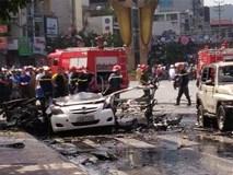 Nổ xe taxi, 2 người chết