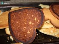 Cha, con và bài học thấm thía từ chiếc bánh quy cháy