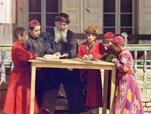 Người Do Thái dạy con quản lý tiền bằng 5 chiếc lọ