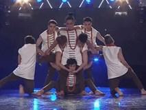 """Clip: Màn trình diễn cực chất trên nền nhạc """"Bánh trôi nước"""" của nhóm nhảy Việt trên sàn đấu quốc tế"""