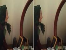 Video: Cụ bà tự cãi nhau với mình trong gương khiến người xem nghẹn lòng