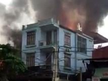 Video: Cháy xưởng gỗ tại Thạch Thất Hà Nội, thiệt hại hàng trăm triệu đồng