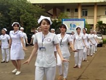 Chắc hẳn bạn sẽ đổ gục với đoạn Flashmob siêu dễ thương này