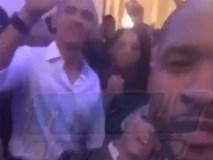 Tổng thống Obama cởi phanh cúc áo, cùng nam ca sĩ Usher nhảy theo điệu nhạc Hotline Bling