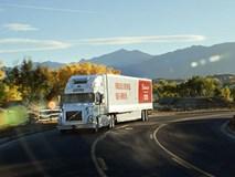 Xe tải tự vận hành của Uber lần đầu tiên lăn bánh