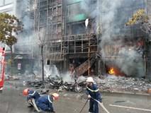 Mặt tiền 4 căn nhà bị thiêu rụi trong đám cháy quán karaoke