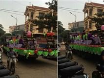 Quan khách 2 họ ngồi trên xe tải ăn bánh, uống chè: Đám hỏi kỳ lạ nhất Việt Nam là đây