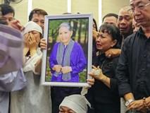 Các con nuôi khóc nức nở ở lễ hỏa táng sầu nữ Út Bạch Lan