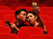 Á hậu Tú Anh nói lời tình cảm, tính chuyện tương lai với bạn trai