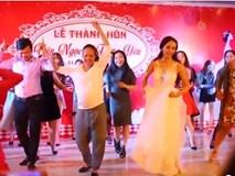 Cô dâu Nghệ An nhấc váy, nhảy vui nhộn trong đám cưới